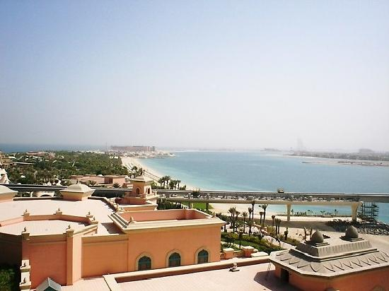 Atlantis, The Palm: view overlooking Jumeirah Beach