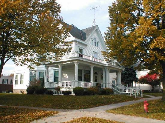 Fountain Park Motel : Lovely architechure, two blocks away