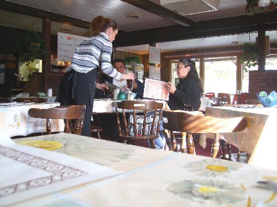 Garry S Family Restaurant Little Current Restaurant