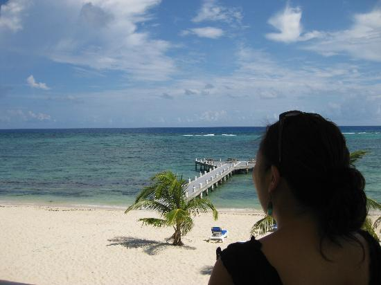 Wyndham Reef Resort: Wifey feeling the breeze