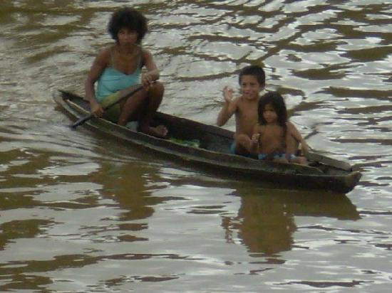 Amazon River, AM: locals