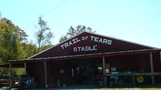 Trail of Tears Lodge & Resort: The Stable