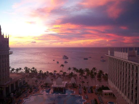 Hotel Riu Palace Aruba: sunset