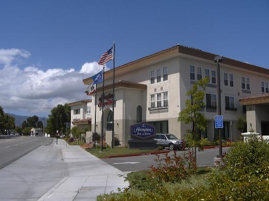 Hampton Inn & Suites Mountain View: ホテル玄関