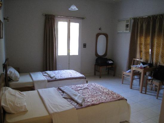 Amon Hotel Luxor : room