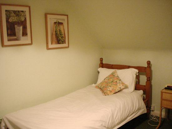 Woodacre B & B: twin room