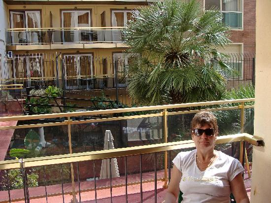 Hotel Mercedes : the balcony