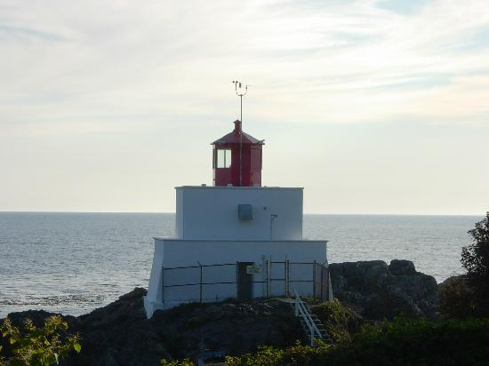 Wild Pacific Bed and Breakfast: Amphitrite Point Lighthouse