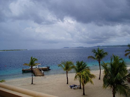 إيدن بيتش ريزورت: The beach (like webcam!)