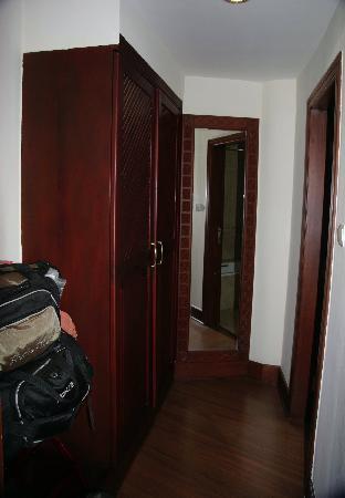 Kibo Palace Hotel: Storage