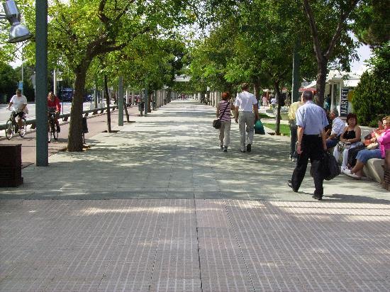 Odissea Park Apartaments: MAIN STREET