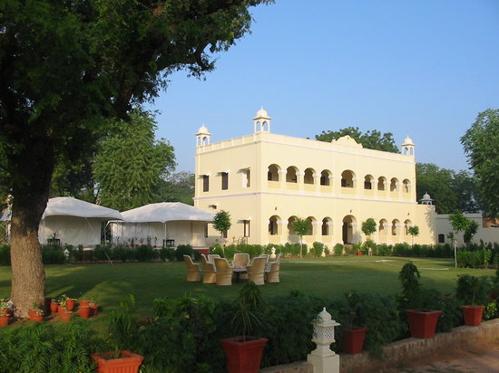 Nawalgarh, Hindistan: Standard rooms and safari tents