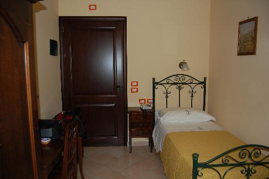 Hotel Columbia Palermo : chambre single