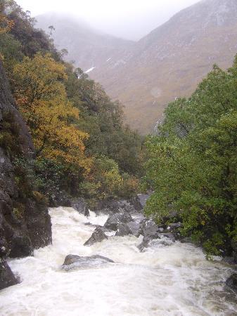 Steall Waterfall: View of Steall Falls/start of walk.