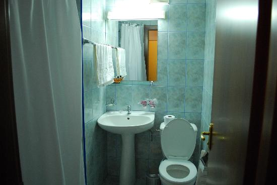 Confort Traian : Bathroom