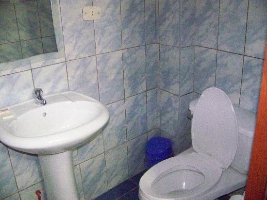 Hostal Varayoc: Baño