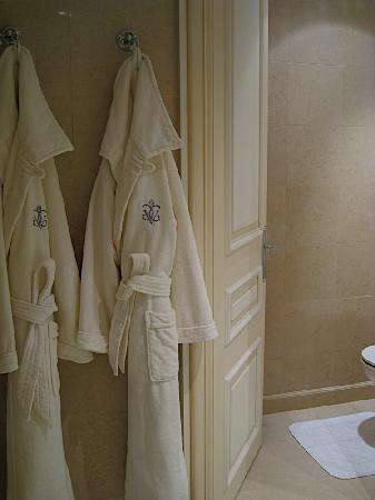Four Seasons Hotel George V: robes, and door to toilet