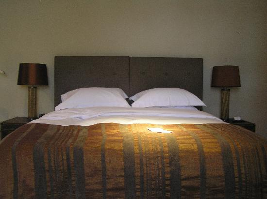 Thirty Two Boutique Hotel: Thirty Two, view of bed