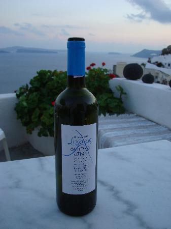 Chelidonia Villas: Boutari wine on our Chelidonia patio