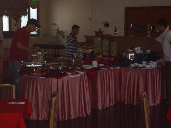 Hotel Royal Merdeka: Buffet breakfast