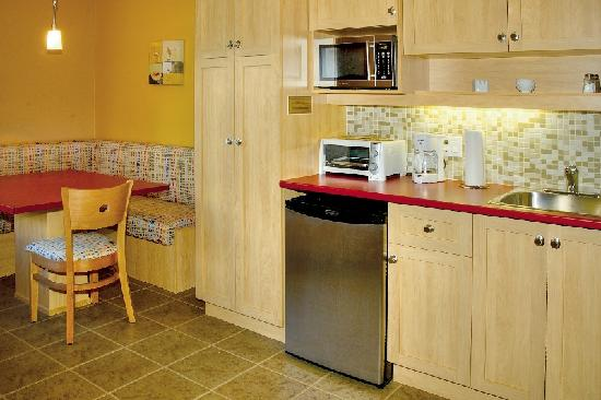 La Malbaie, Canada: Kitchenette of a Studio-Deluxe with two Queen size beds