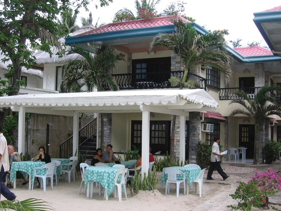 Crystal Sand Beach Resorts: front of hotel: dining area