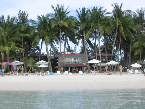 Crystal Sand Beach Resorts: hotel as seen from water