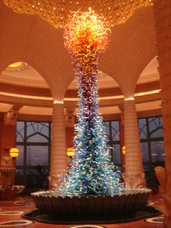 Atlantis, The Palm: Lobby Sculpture