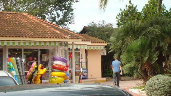 Camping Resort Sanguli Salou : On-Site Shop