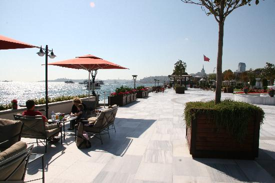 Four Seasons Istanbul at the Bosphorus: Terrasse