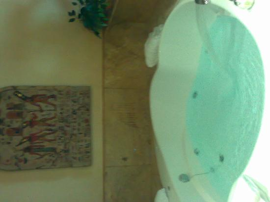 Motel Valle del Nilo: habitacon jacuzi