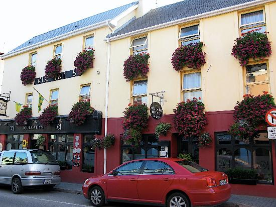 Virginia's Guesthouse Kenmare : Front of Virginias on Henry Street
