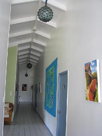 Aremango Guesthouse: The hallway of the main guesthouse