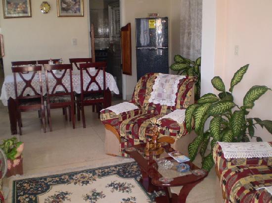Casa Particular Cuba Aleida Ravelo: Salone e sala pranzo