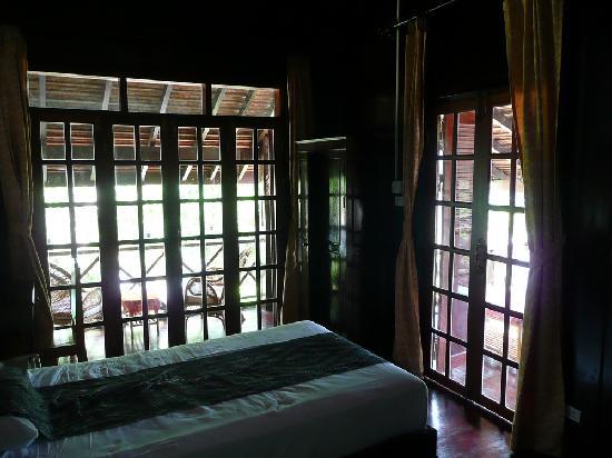 Villa Ban Lakkham : Deluxe room - 2 balconies!