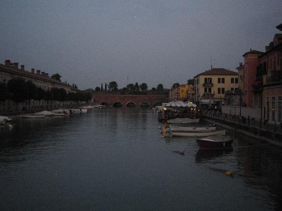 Peschiera del Garda, Italien: vista del canal