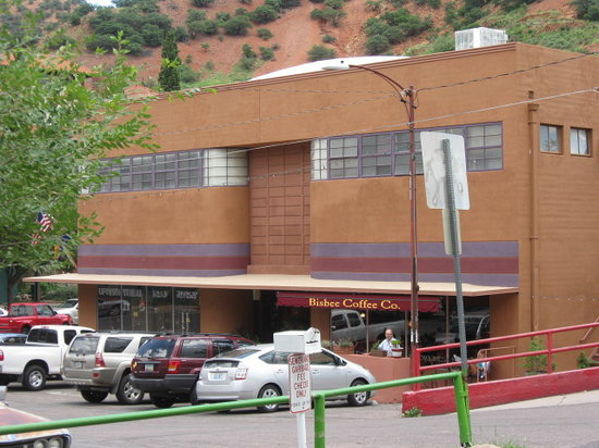 Bisbee's Table : The Bisbee Grille is located in an Art Deco building.