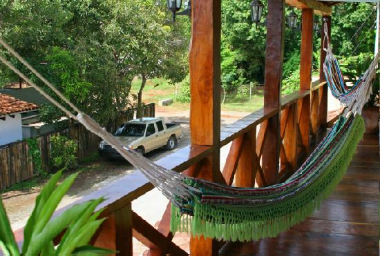 Casita Margarita: Balcony with hammocks