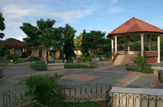 Casita Margarita: Pedasi town square