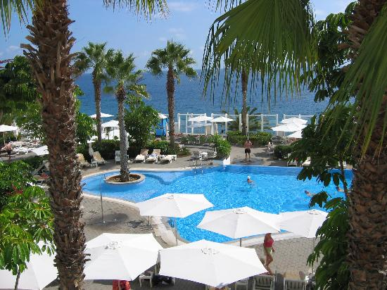 Hotel Riu Palace Madeira: Pool from terrace