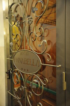 Annabella Hotel: Front Entrance - Logo