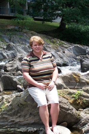 Creekstone Inn: Me on the river rocks behind hotel