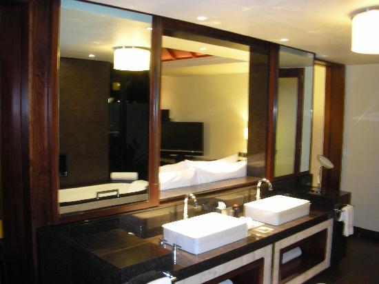 Four Seasons Resort Mauritius at Anahita - Pool Villa Bathroom