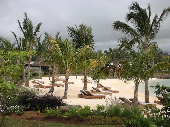 Four Seasons Resort Mauritius at Anahita : FSMRU - Beach to the left of the Main Pools