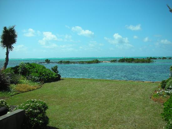 Four Seasons Resort Mauritius at Anahita : FSMRU - Private Garden of a Lagoon Pool Villa