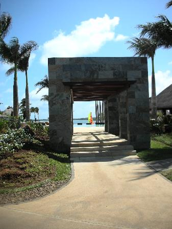 Four Seasons Resort Mauritius at Anahita: 013 - FSMRU - Archway leading to Main Pools and Bambou Restaurant