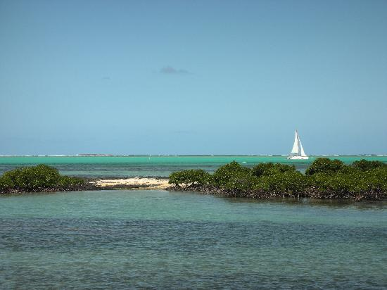 Four Seasons Resort Mauritius at Anahita : 019 - FSMRU - Lagoon surrounding Ile aux Chats