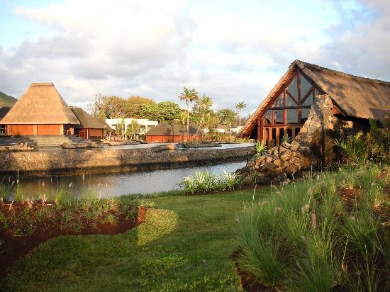 Four Seasons Resort Mauritius at Anahita : FSMRU - Reception area, O-Bar and amazing seawater terraces
