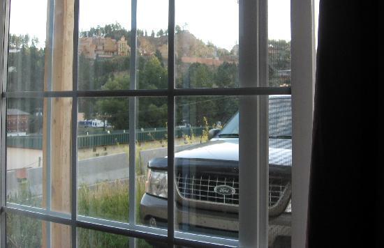 Roosevelt Inn: Parking lot view
