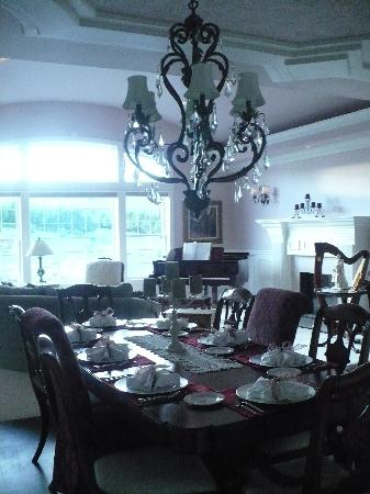 Cameo Heights Mansion Bed & Breakfast : Dining Room